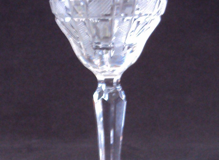 CR 145 – Cálice Para Vinho Branco Em Cristal Incolor Lapidado