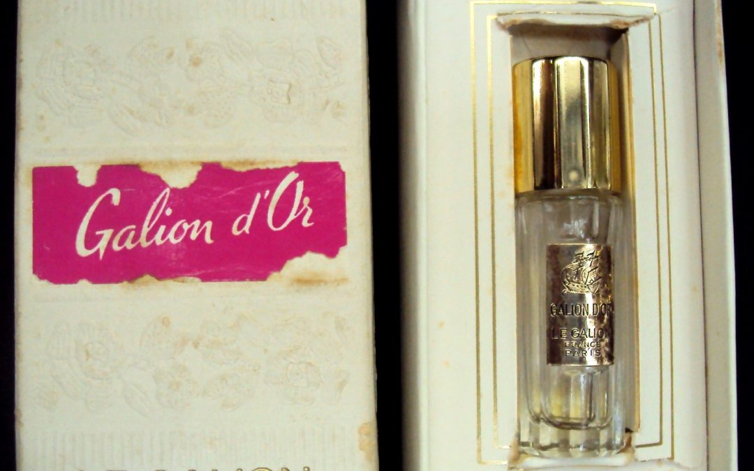 CR 266 – Perfumeiro Francês Le Galion D' Or Com Caixa Original