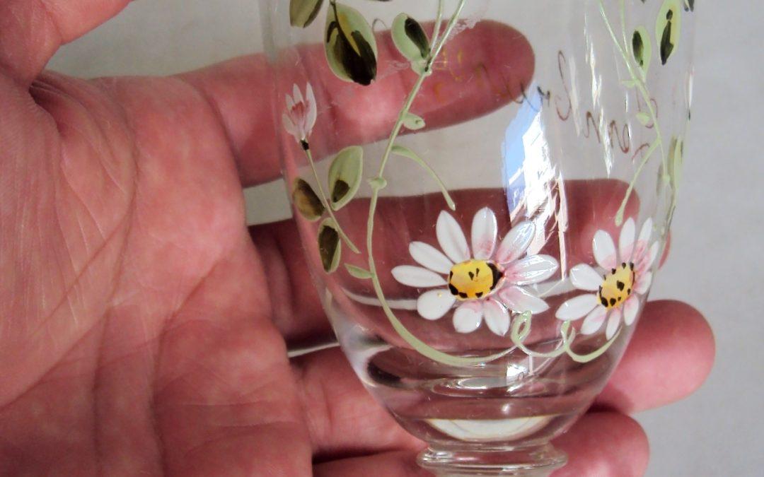 CR 73 – Taça antiga de vidro veneziano com flores em esmalte Lembrança