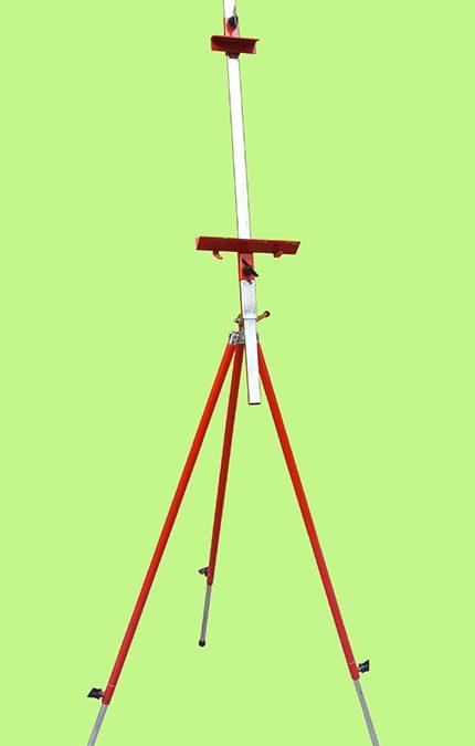 DI 35 – Cavalete italiano vermelho em metal para pintura ou exposição de quadros