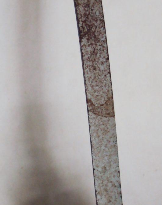 DI 367 – Fôrma ou modelador de sapato antigo em metal flexível com decoração