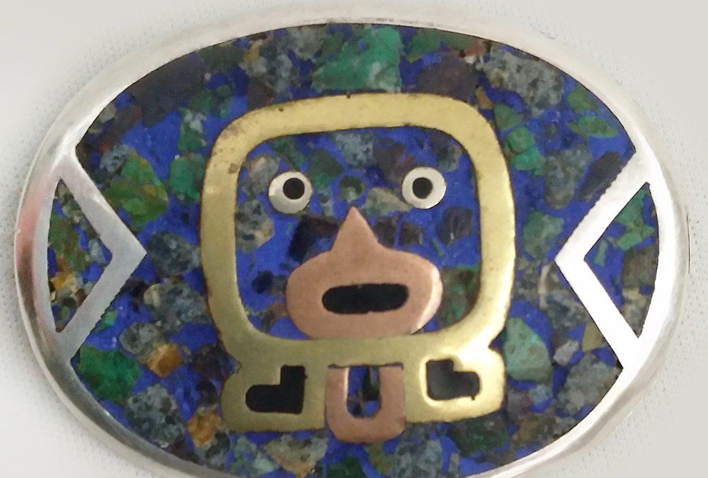 DI 84 – Pingente ou broche antigo em prata de lei 925 com figura da Mitologia Asteca