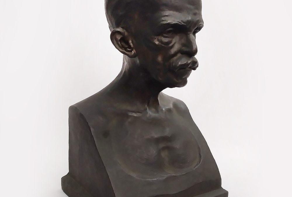 ES 14 – Busto grande de Ruy Barbosa em bronze rico em detalhes