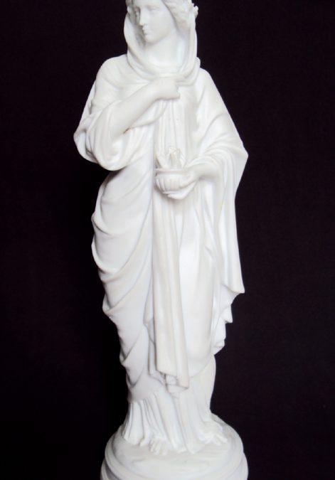 LO 174 – Escultura antiga em biscuit da deusa grega Héstia ou Vesta rica em detalhes
