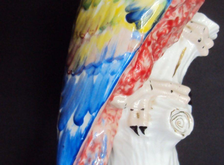 LO 19 – Arara grande de porcelana São Paulo de São Caetano do Sul