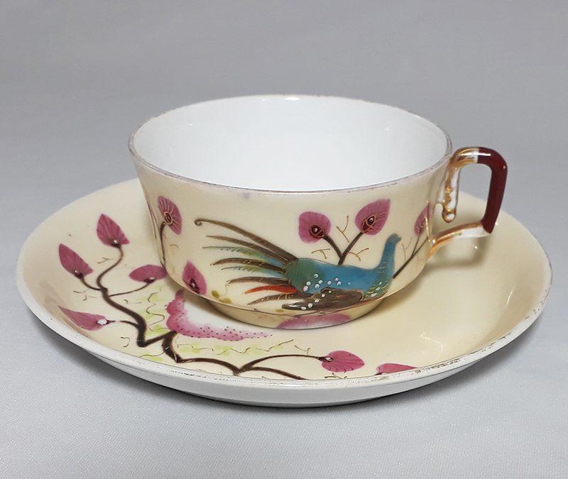 LO 239 – Xícara de chá antiga em porcelana pintada à mão com faisão e flores rosas