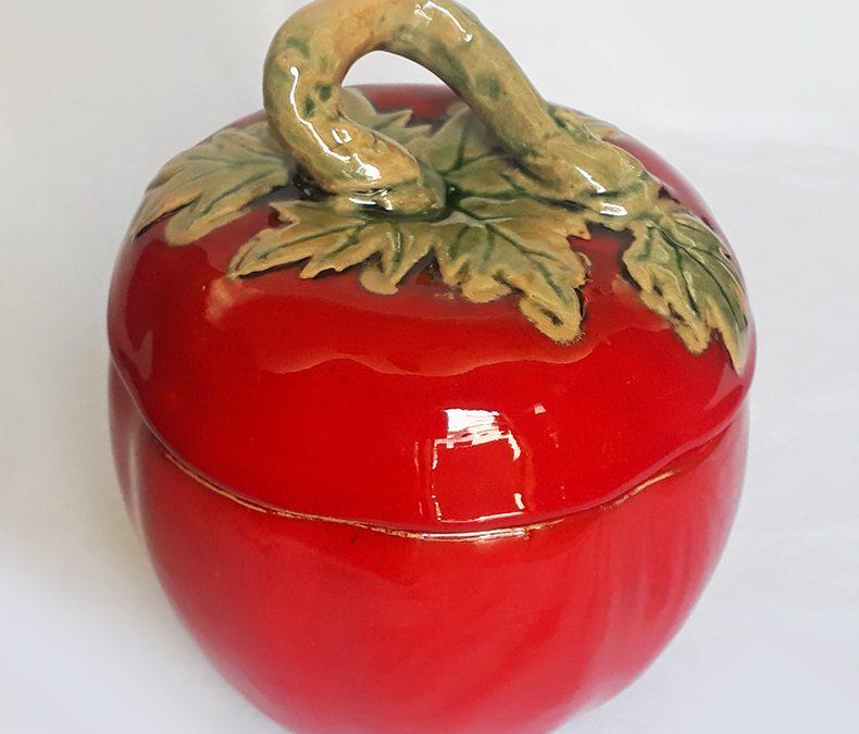 LO 241 – Pote em cerâmica vitrificada em forma de abóbora laranja com folhas verdes