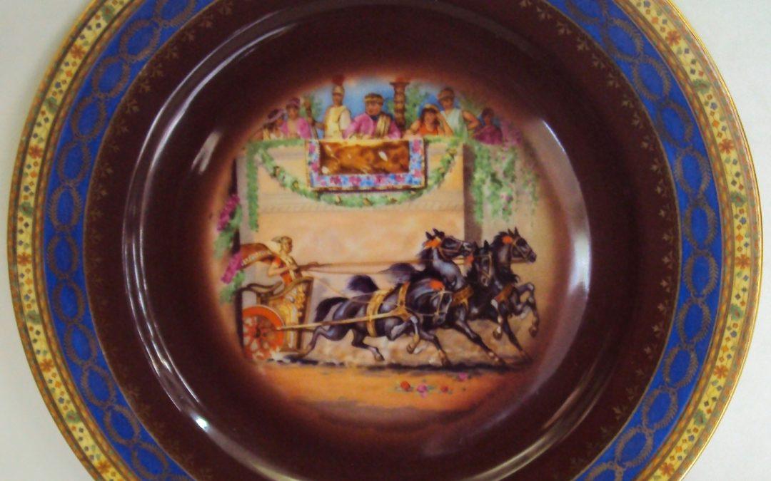 LO 427 – Prato alemão porcelana Omeco com cena do Imperador Nero e corrida – borda colorida e dourada