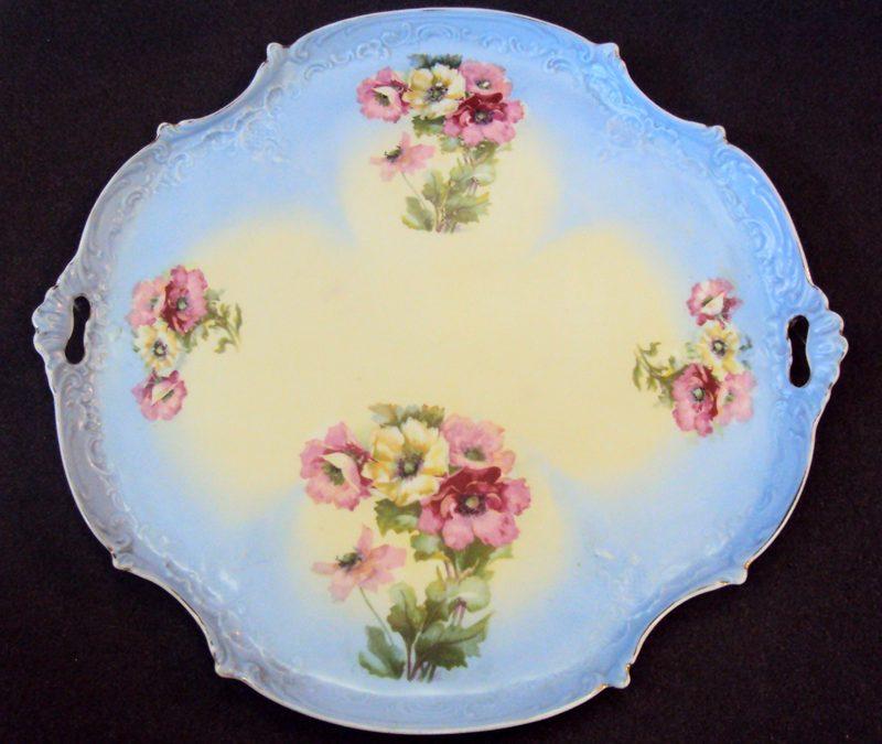 LO 46 – Bandeja Grande Azul Em Porcelana Decorada Com Flores