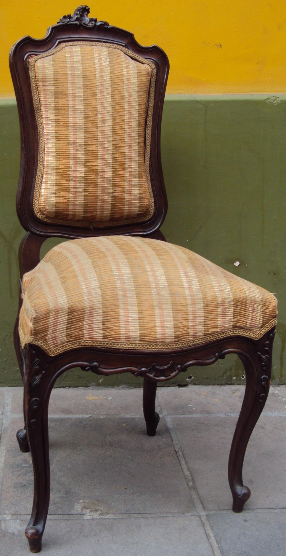 MO 58 – Cadeira estilo Luís XV com assento antigo