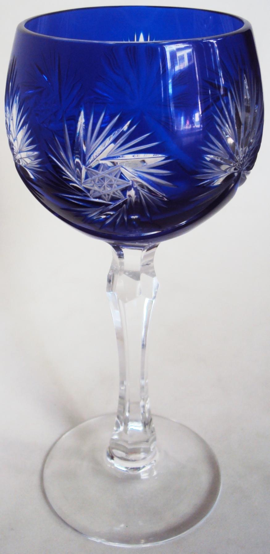 CR 279 – Taça Grande De Cristal Azul Ricamente Lapidado