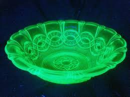 Uralina ou vidro de Urânio (dicionário)