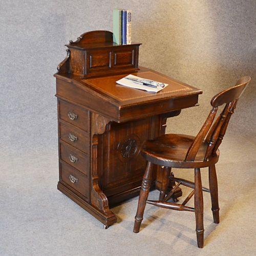 Davenport, escrivaninha (dicionário)
