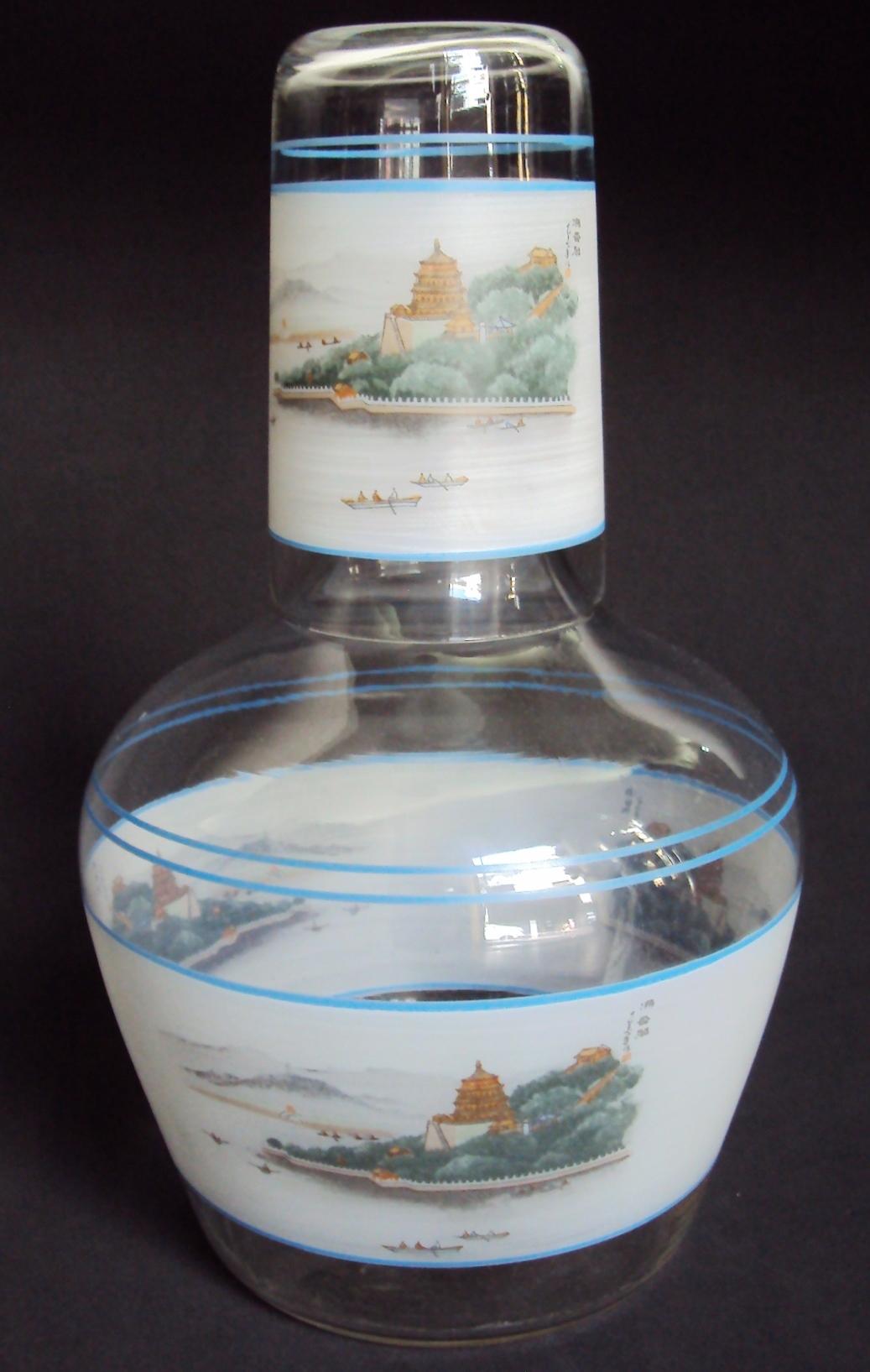 CR 173 – Moringa grande com copo em vidro decorado com paisagem oriental