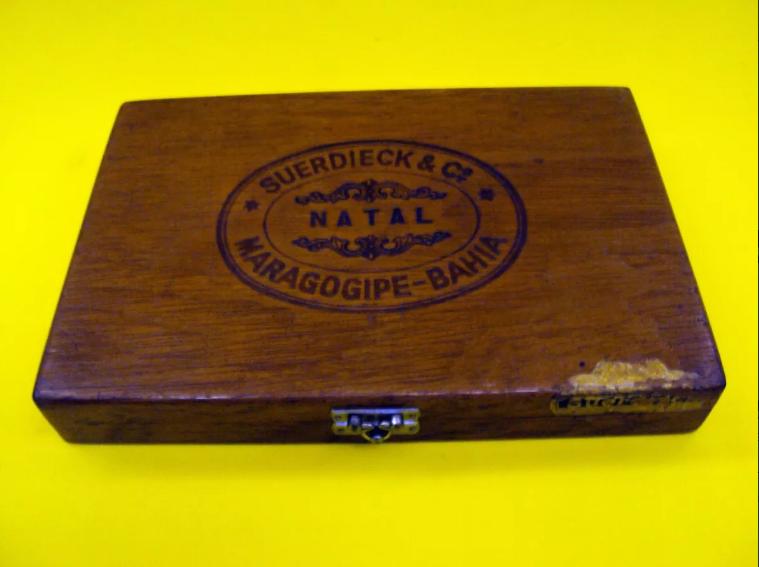DI 196 – Caixa em madeira para charutos Suerdieck Maragogipe